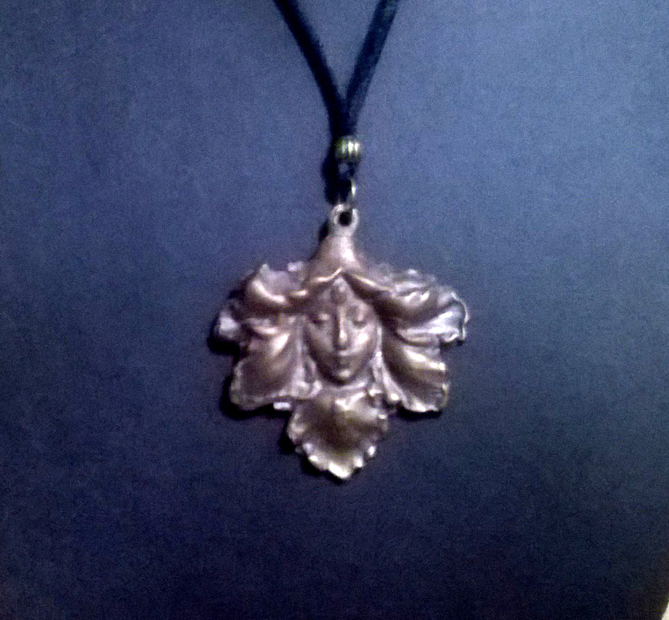 Leaf Women Pendant